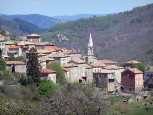 Le village de Saint-Pierreville